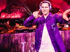 Tiësto estreia como VER:WEST no Tomorrowland Around The World
