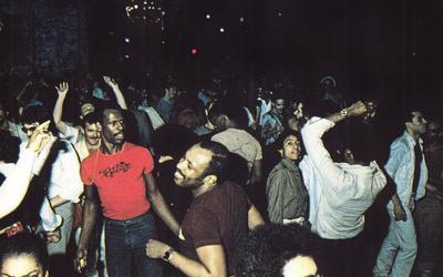 O que aconteceu com os passinhos de dança das antigas boates?