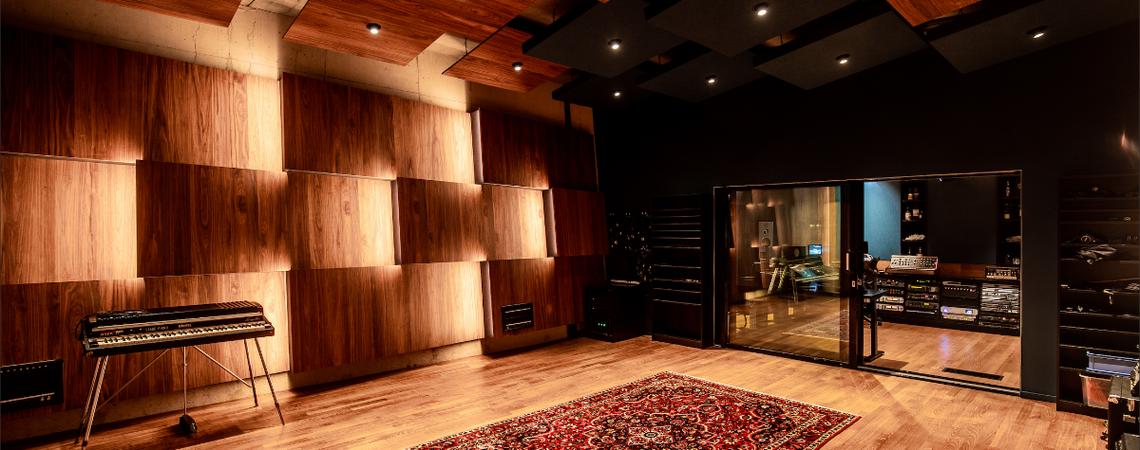 Martin Garrix conclui reforma no estúdio da STMPD RCRDS, confira